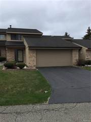 Condo for rent in 4483 N MEADOW Drive, Waterford, MI, 48329