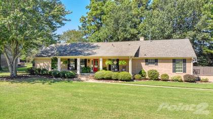 Single-Family Home for sale in 31 Country Club Cove , Jackson, TN, 38305