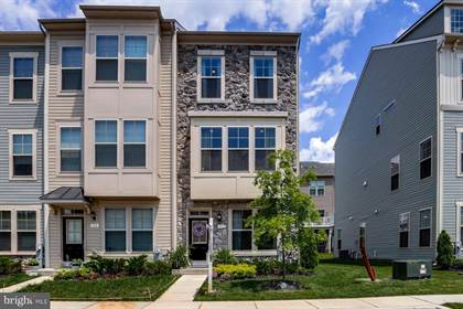 Residential Property for sale in 512 PEBBLEBROOK LANE, Baltimore City, MD, 21226