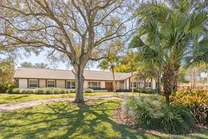 Residential Property for sale in 15110 N Saxon Cir, Davie, FL, 33331