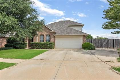 Residential Property for sale in 7931 Fox Chase Drive, Arlington, TX, 76001