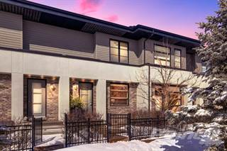 Townhouse for sale in 114 ASPEN HILLS VI SW, Calgary, Alberta, T3H 0H7