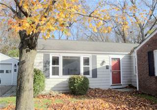 Condo for sale in 18 RUTHERFORD Court, Warwick, RI, 02886