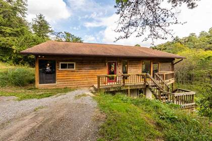 Residential Property for sale in 604 CHRISTIANS CREEK RD, Staunton, VA, 24401