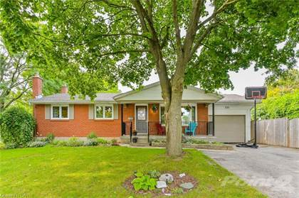 Residential Property for sale in 251 CARLAW Place, Waterloo, Ontario