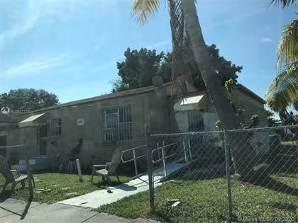 Multifamily for sale in 1102 NW 103rd St, Miami, FL, 33150