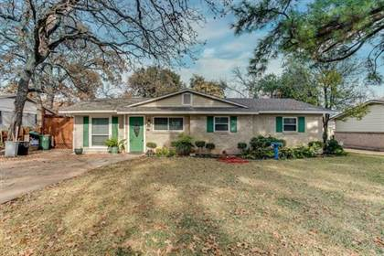 Residential for sale in 1809 Mimosa Drive, Arlington, TX, 76012