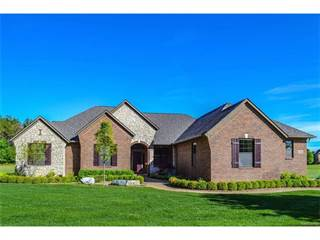 Single Family for sale in 1095 WOOD Trail, Oxford, MI, 48371