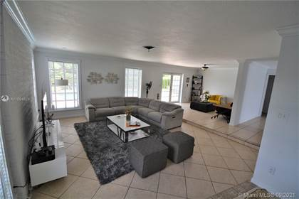 Residential for sale in 9421 SW 106th Ave, Miami, FL, 33176
