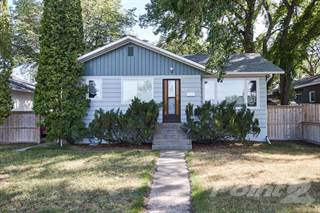 Residential for sale in 61 11 St NE, Medicine Hat, Alberta, T1A 5S7