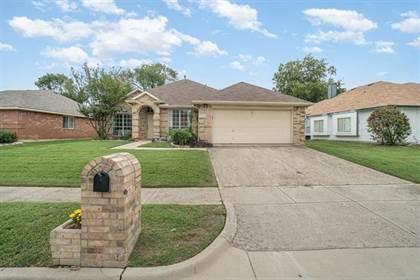 Residential for sale in 2306 Wilmette Drive, Arlington, TX, 76018
