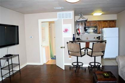 Residential for sale in 3121 Sondra Drive 304, Fort Worth, TX, 76107