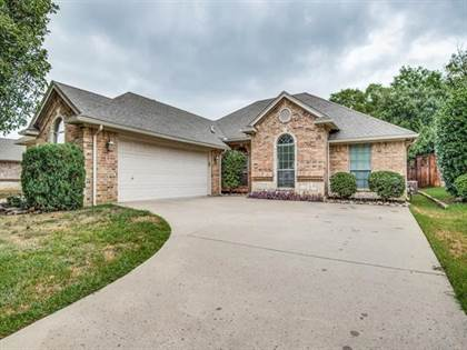 Residential for sale in 6103 Rockby Court, Arlington, TX, 76001
