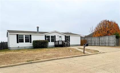 Residential for sale in 951 Lariat Lane IN, Mansfield, TX, 76063