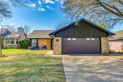 Residential for sale in 10217 Pack Saddle Court, Fort Worth, TX, 76108