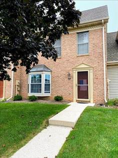 Condominium for sale in 175 Crown Pointe Dr, East York, PA, 17402