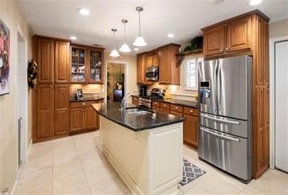 Residential for sale in 12032 Fieldwood Lane, Dallas, TX, 75244