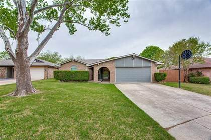 Residential Property for sale in 7349 Channel View Drive, Fort Worth, TX, 76133