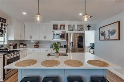 Residential for sale in 3731 Falls Drive, Dallas, TX, 75211