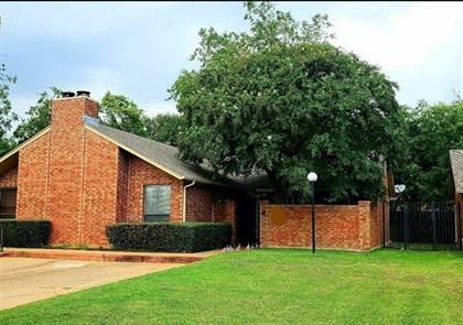 Residential Property for sale in 909 Cedarland Boulevard, Arlington, TX, 76011