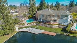 Single Family en venta en 10685 N Coronado Circle, Fresno, CA, 93730