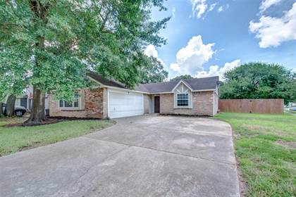 Residential for sale in 7910 Waxleaf Drive, Humble, TX, 77338