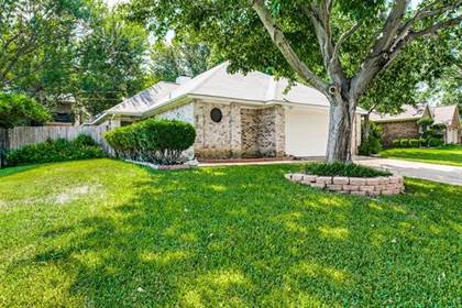 Residential for sale in 5927 Wind Drift Trail, Arlington, TX, 76017