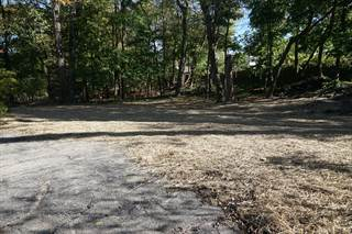 Land for sale in 2421 Crest Drive, Kalamazoo, MI, 49008