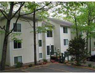 Condo for sale in 5 Wake Robin Road 206, Greater Manville, RI, 02865