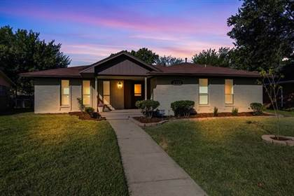 Residential for sale in 2715 Groveridge Drive, Dallas, TX, 75227