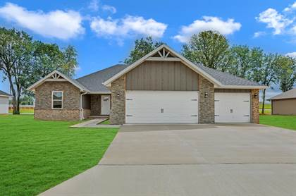 Residential for sale in 4444 Florence Avenue, Ozark, MO, 65721
