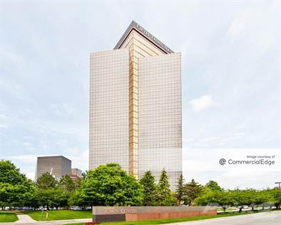 Office Space for rent in 1000 Town Center, Southfield, MI, 48075