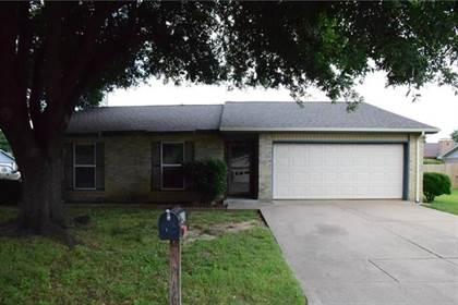 Residential for sale in 1901 Bedrock Lane, Arlington, TX, 76006
