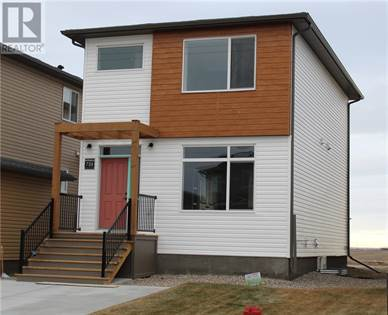Single Family for sale in 758 Greywolf Run N, Lethbridge, Alberta, T1H7E9