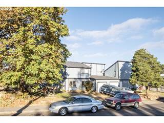 Multi-family Home for sale in 561 HOLBROOK LN, Creswell, OR, 97426
