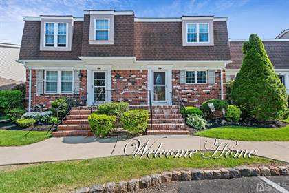 Residential Property for sale in 45 Heritage Lane, Fords, NJ, 08863