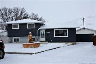 Residential Property for sale in 1294 Crockford Crescent NW, Medicine Hat, Alberta, T1A 7C5