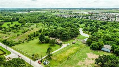 Residential Property for sale in 12424 Oak Grove Road S, Burleson, TX, 76028