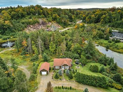 Residential Property for sale in 1492 Ch. du Lac-des-Becs-Scie O., Saint-Sauveur, Quebec, J0R1R1