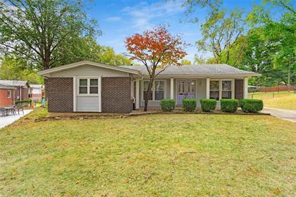 Residential for sale in 2271 Woodgrass Drive, Overland, MO, 63114