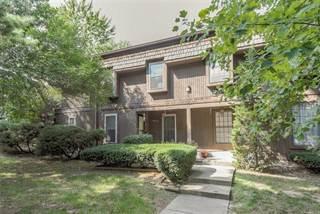 Townhouse for sale in 10254 Cedarbrooke Lane, Kansas City, MO, 64131