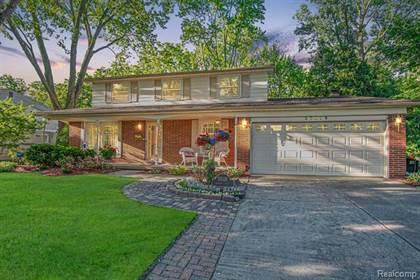 Residential for sale in 35118 MUNGER Drive, Livonia, MI, 48154
