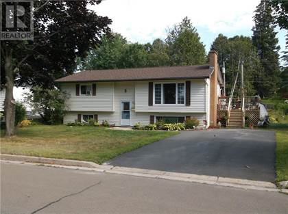 For Sale 312 Pugh Street Fredericton New Brunswick E3a1y6 More On Point2homes Com