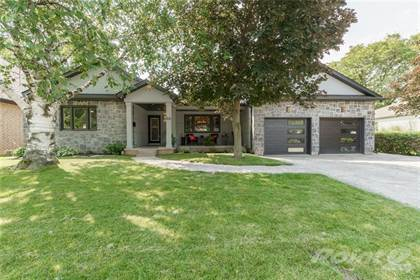 Residential Property for sale in 44 OAKLEY Court, Ancaster, Ontario, L9G 1T5