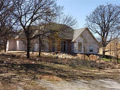 Residential Property for sale in 3033 Fossil Oaks Drive, Azle, TX, 76020