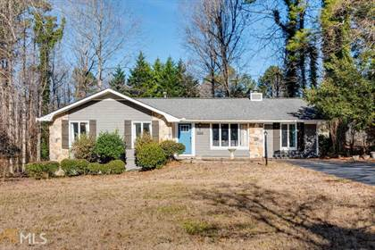 Residential for sale in 1566 Jimmy Dodd Rd, Buford, GA, 30518