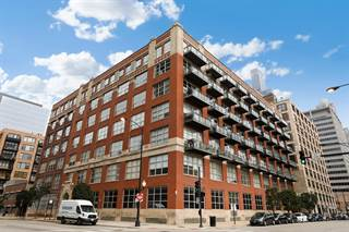 Condo for sale in 333 South Desplaines Street 302, Chicago, IL, 60661