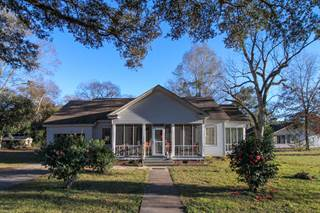 Single Family for sale in 102 Church Ave, Mclain, MS, 39456