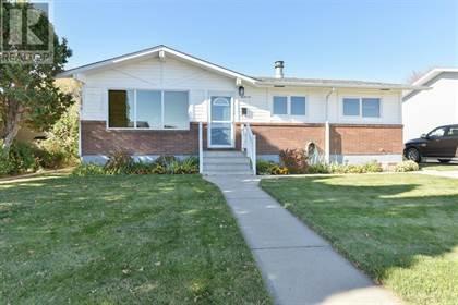 Single Family for sale in 36 Clelland Crescent SE, Medicine Hat, Alberta, T1B1M7