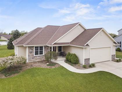 Residential Property for sale in 781 Autumn Ridge Ln, Hartford, WI, 53027